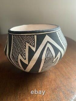 Native American, Vintage Acoma Pottery Bowl, signed Lucy M Lewis (1898-1992)