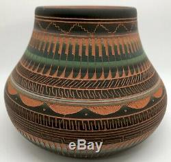 Navajo MYRON CHARLIE Etched Clay Pottery 4.75 Vase Pot, Native American (FR-9)