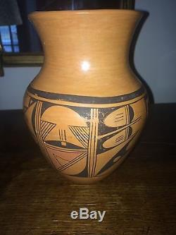 OLD Native American Hopi  Pottery, Signed. Beautiful