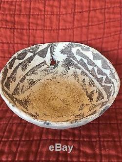 Prehistoric Anasazi Black & White Bowl 1200 A. D