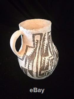 PREHISTORIC ANASAZI ESCAVADA HANDMADE PITCHER Hand-painted in 1030 to 1200 AD