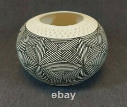 Pauline Abeita Signed Acoma Geometric Pottery Vase, 1986