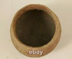 Pre-historic Native American Anasazi Hand Coiled & Decorated Pot