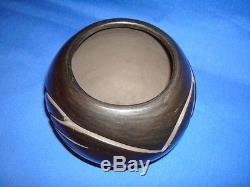 RARE Santa Clara Native American Indian Black Pottery by Stella Chavarria Signed