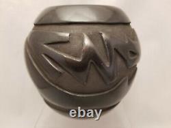 RARE! Santa Clara Pueblo Pottery ROSE M. LEWIS Avanyu Pot 4 3/4 x 5 1/4