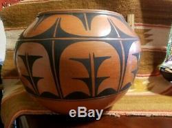 Rare Hugh 16 Santo Domingo Native American Pottery Pot Jar Olla Robert Aguilar