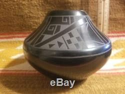 Rare San Ildefonso Blackware Native American Pottery Jar Martha Appleleaf