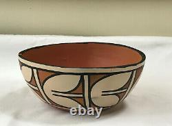 Reyes Lovato Kewa Native American Santo Domingo Pueblo Pottery Bowl 8, Signed
