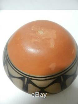 Robert Tenoria Santo Domingo Pueblo Indian Pottery Chili Bowl Pot Thunderbird