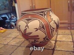 SALE Zia Pueblo Bird Polychrome Olla pot Native American potter Sofia Medina