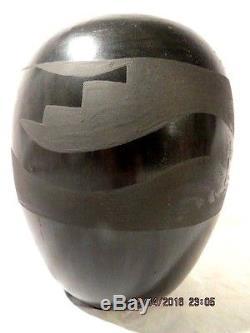 Santa Clara Pueblo Avanyu Black Pottery Pot By Nicolasa Naranjo 1907-2000 & Ro