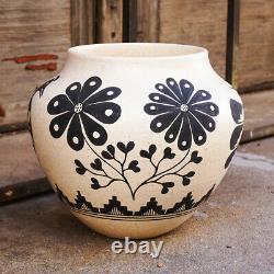 Santo Domingo Pottery-hand Made Micaceous Clay Pot-mark Wayne Garcia
