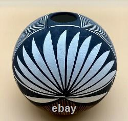 Signed Keene Acoma Pueblo Pottery Native American Indian Pot Bowl Vase Geometric