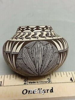 Southwest Native American Acoma Pueblo Pottery Signed Fine Line Miniature Olla