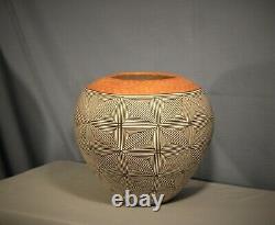 Southwest Native American Acoma Pueblo Pottery Signed by Regina Shutiva