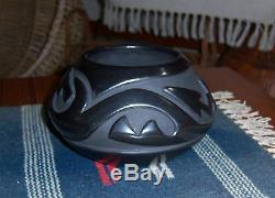 Stella Chavarria Santa Clara Blackware Pot Jar Bowl Native American 3.5x 5.5