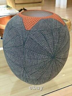 Stunning Vintage Native American Pottery Acoma Fine Line Vase Pot By Jay Vallo