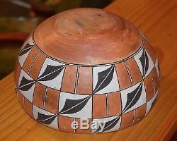 Superb Vintage Large Black An White Handcoiled Acoma Pueblo Olla! Free Shipping