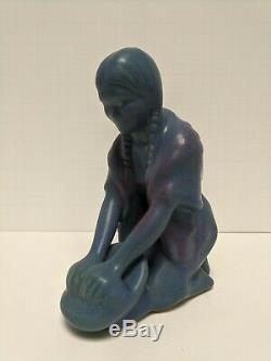 VAN BRIGGLE POTTERY NATIVE AMERICAN MAIDEN GRINDING CORN Dark Blue Purple