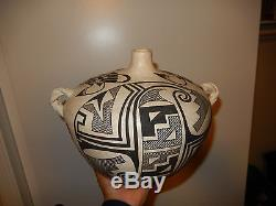 Vase vintage American Indian Acoma pottery