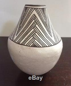Vintage ACOMA PUEBLO Vase Pottery Signed by LUCY M. LEWIS