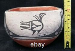 Vintage (Kewa) Santo Domingo Pueblo Pottery square, signed Mary Edan Tenorio