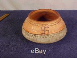 Vintage NATIVE AMERICAN Pottery withWHIRLING LOG Symbol