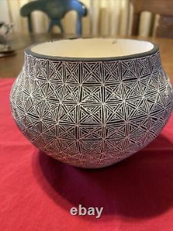 Vintage Native American Acoma Pottery 6 Pot signed D. Pino Acoma, N. M