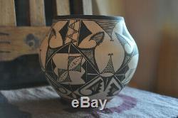 Vintage Native American Handmade Pottery J. Cheromiah Laguna Pueblo NM Olla Vase