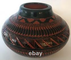 Vintage Navajo Pottery Etched Vase Pot Signed C. King Native American It/155