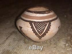 Zuni Hand Coiled Pottery Olla Pot Signed By Josephine Nahohai Native American